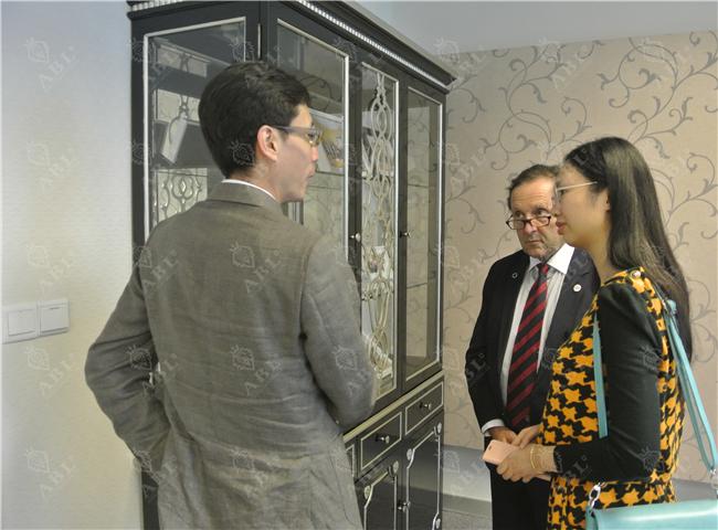 意大利罗马医学院糖尿病内分泌专家保罗•伯兹利到访广州瑞士领誉医疗