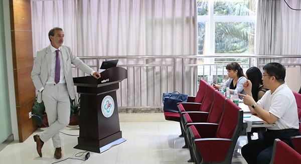 欧洲妇科专家埃里克·塞班博士受邀赴中山三院进行学术交流
